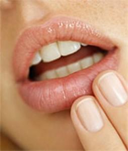 Как быстро избавиться от герпеса на губах