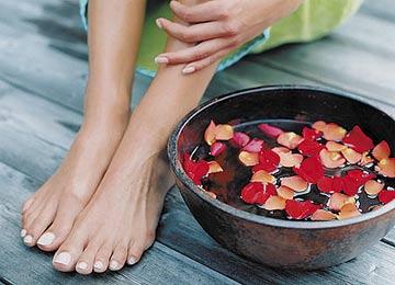 Здоровые и красивые ноги без трещин и неприятных болезненных ощущений